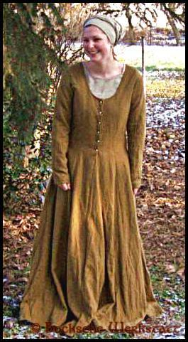 Cotte (dress) late middle age – Cotehardie