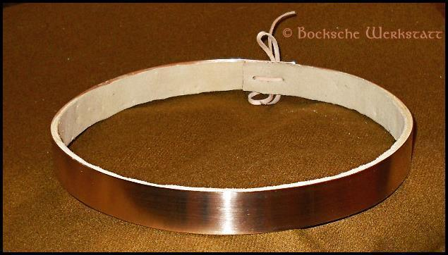 Circlet out of bronze simple